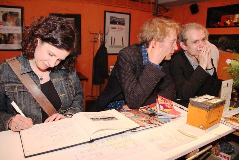 Die Erzähler Saskia Petzold und Boris Pietsch mit Waldemar Spalek