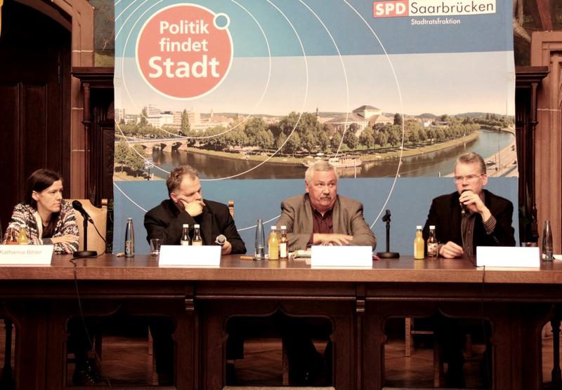 Diskussion zum Thema Saarbrücker Kulturdezernent mit Katharina Bihler, Martin Busche, Peter Bauer und Oliver Strauch